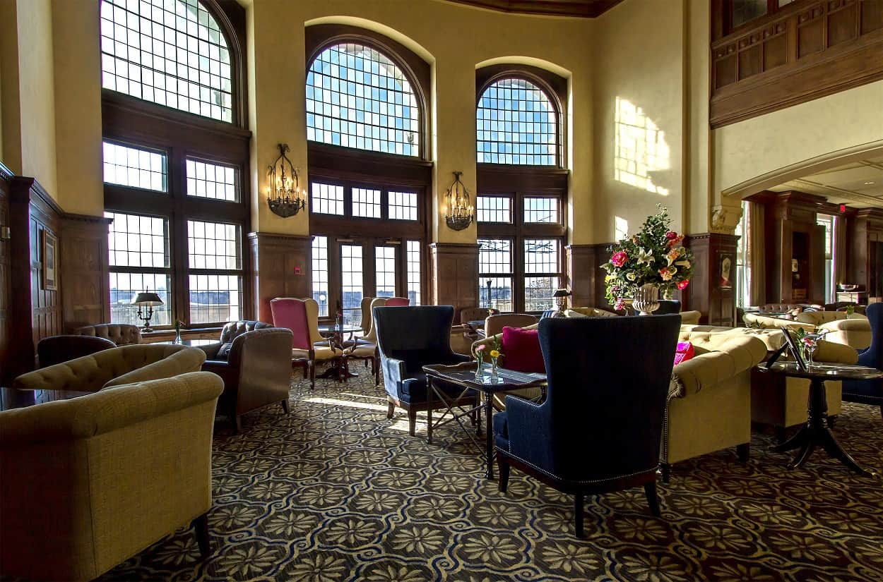 Read more about the article Fairmont Hotel Macdonald