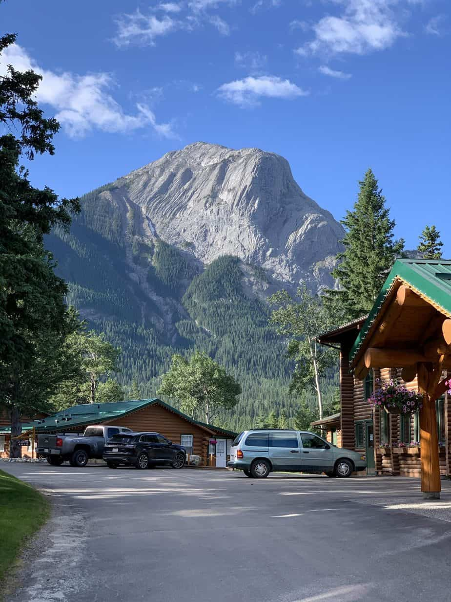Read more about the article Stone Peak Restaurant