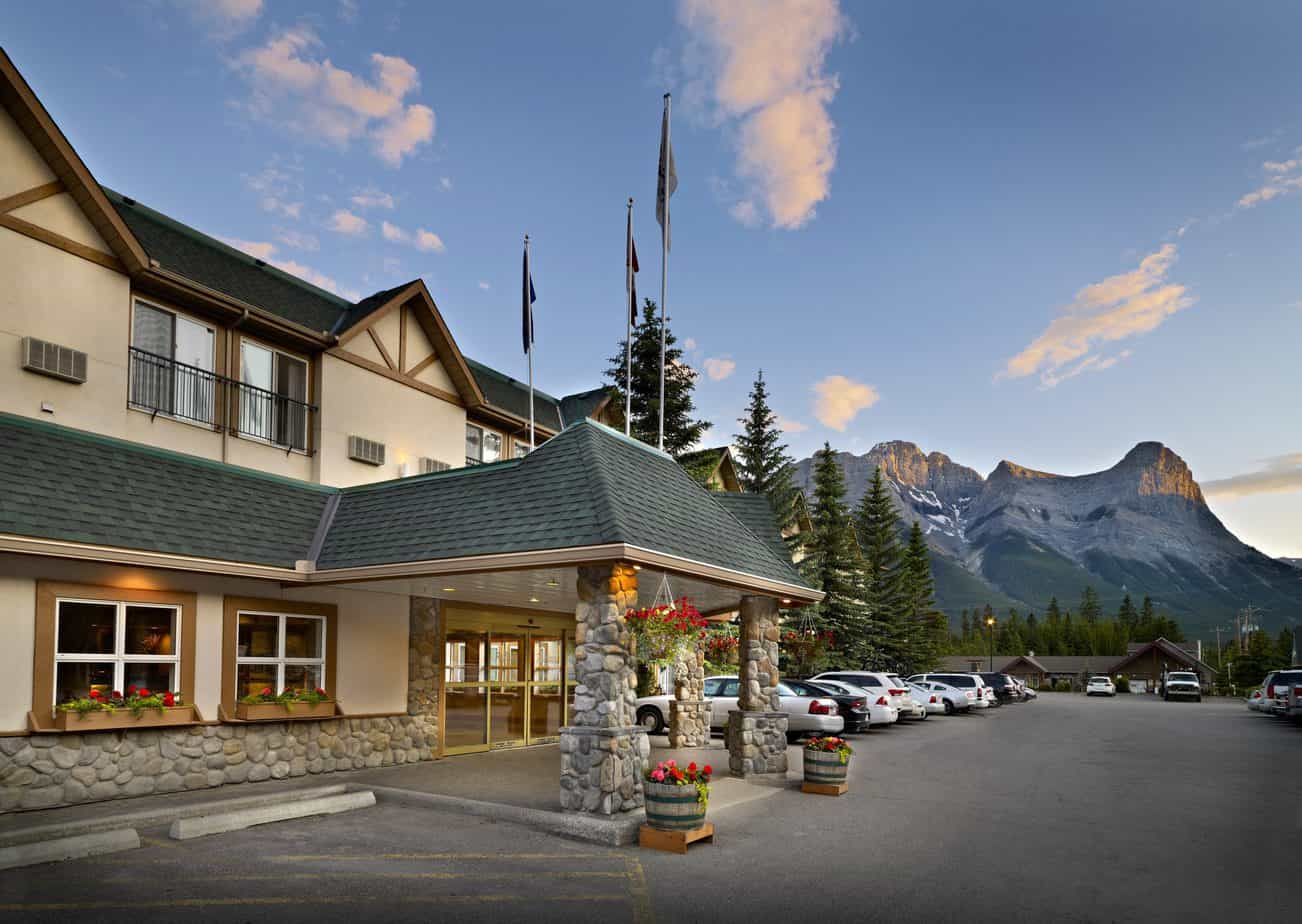 Read more about the article Coast Canmore Hotel & Conference Centre